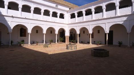 Convento_de_Santa_Clara_(Carmona)._Claustro